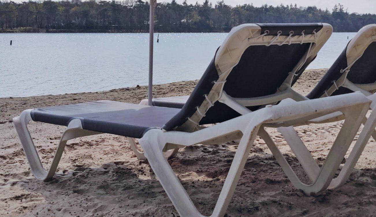 Ligbedjes-Strandbad-huren