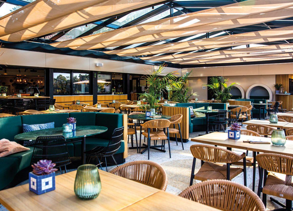 Serre-overdekt-restaurant-terras
