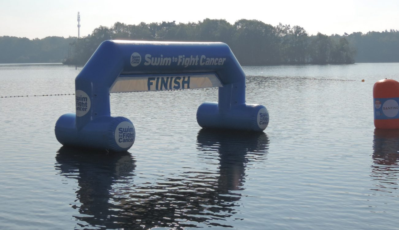 Swim-to-Fight-Cancer-bij-IJM